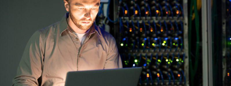 Szybki, bezpieczny i wydajny hosting a SEO: jaki wpływ na pozycjonowanie ma dobry serwer?